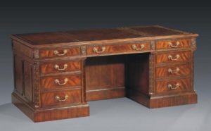 Victorian Mahagoni Schreibtisch Leder gekrönt