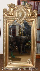 Französischer barocker vergoldeter Cherub Pier Spiegel