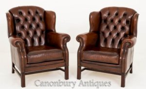 Paar tiefe gepolsterte Leder Georgian Wing Back Chairs