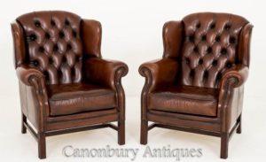 Paar tiefe gepolsterte Leder Georgian Wing Back Chairs