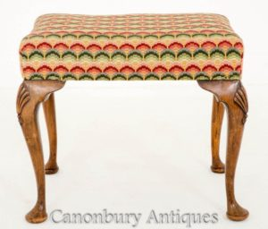 Queen Anne Piano Hocker in Walnuss