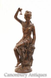 Italienische römische Jungfernstatue aus Bronze - weibliche Figur