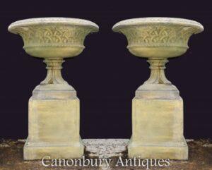 Paar Terrakotta-Garten-Urnen-Sockel - Klassische keltische Gotik
