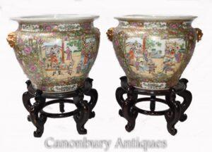 Paar kantonesische Porzellan-Pflanzgefäße auf Ständen - chinesische Urne China