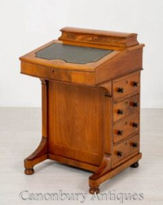 Victorian Davenport Desk - Antike Walnuss um 1880