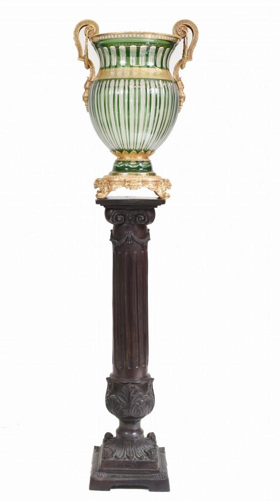 Klassische Urne French Empire Vase aus geschliffenem Glas
