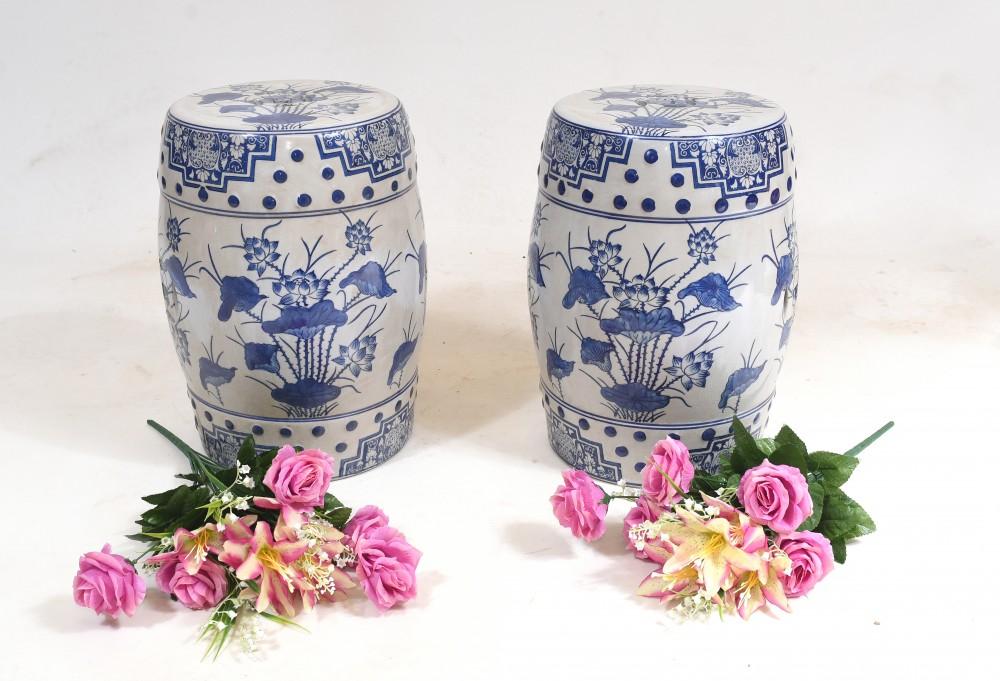 Ming Porzellansitze Chinesische Hockervasen in Blau und Weiß