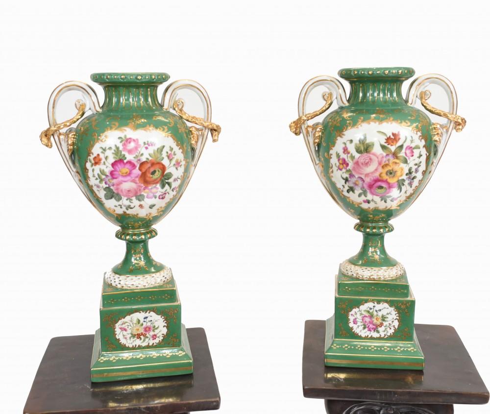 Paar Meissener Porzellanurnen Deutsche Vasen